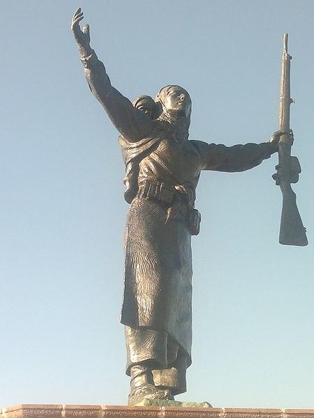 Nene Hatun Heykeli (Erzurum Tabyalar)