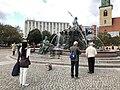 Neptunbrunnen 037.jpg