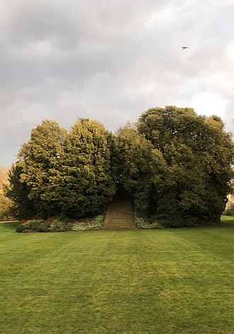 New College, Oxford - The mound in the gardens
