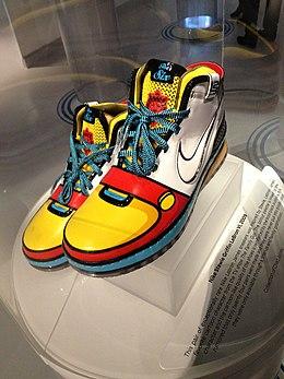 da8d9a58a49a3 حذاء رياضي. من ويكيبيديا، الموسوعة الحرة