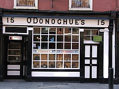 ODonoghue pub Dublin Ireland.jpg