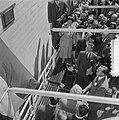Opening Sluis in Tiel vlag in top door Koninklijke familie, Bestanddeelnr 905-1228.jpg