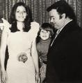 Oscar Viale junto a sus hijos.png