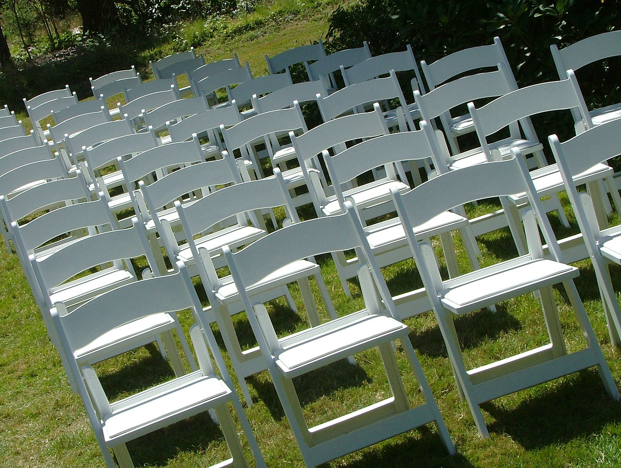 File Outdoor Wedding Chairs 2816px Jpg Wikimedia Commons