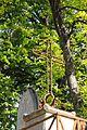 Père-Lachaise - cross 09.jpg