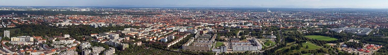 Munich hiriaren ikuspegi panoramikoa Municheko Olinpiar Estadioaren eremutik ikusita.