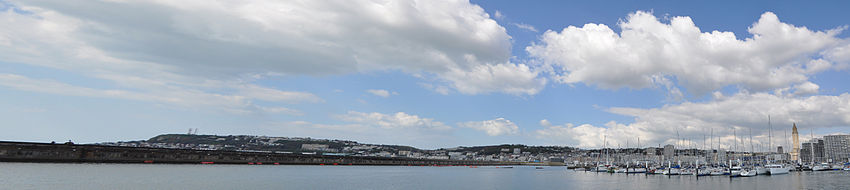Panoramic of Le Havre and Sainte-Adresse (France).jpg