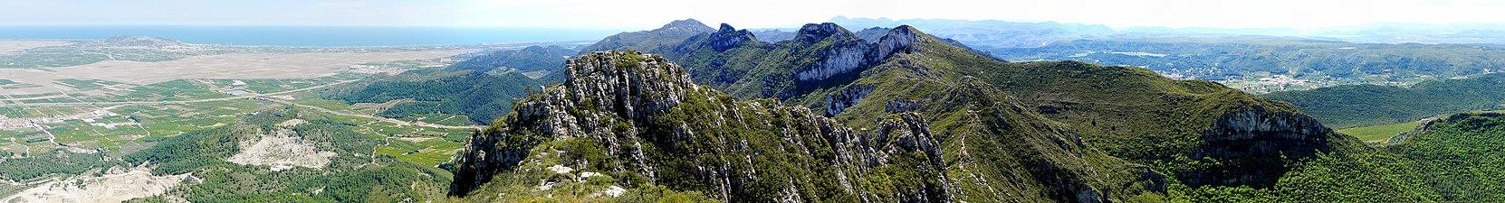 Panoramica de la sierra de Corvera.jpg