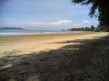 Luar pantai Tanjung Aru.