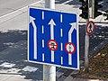 Pardubice, Palackého třída, dopravní značka před Masarykovým náměstím.jpg