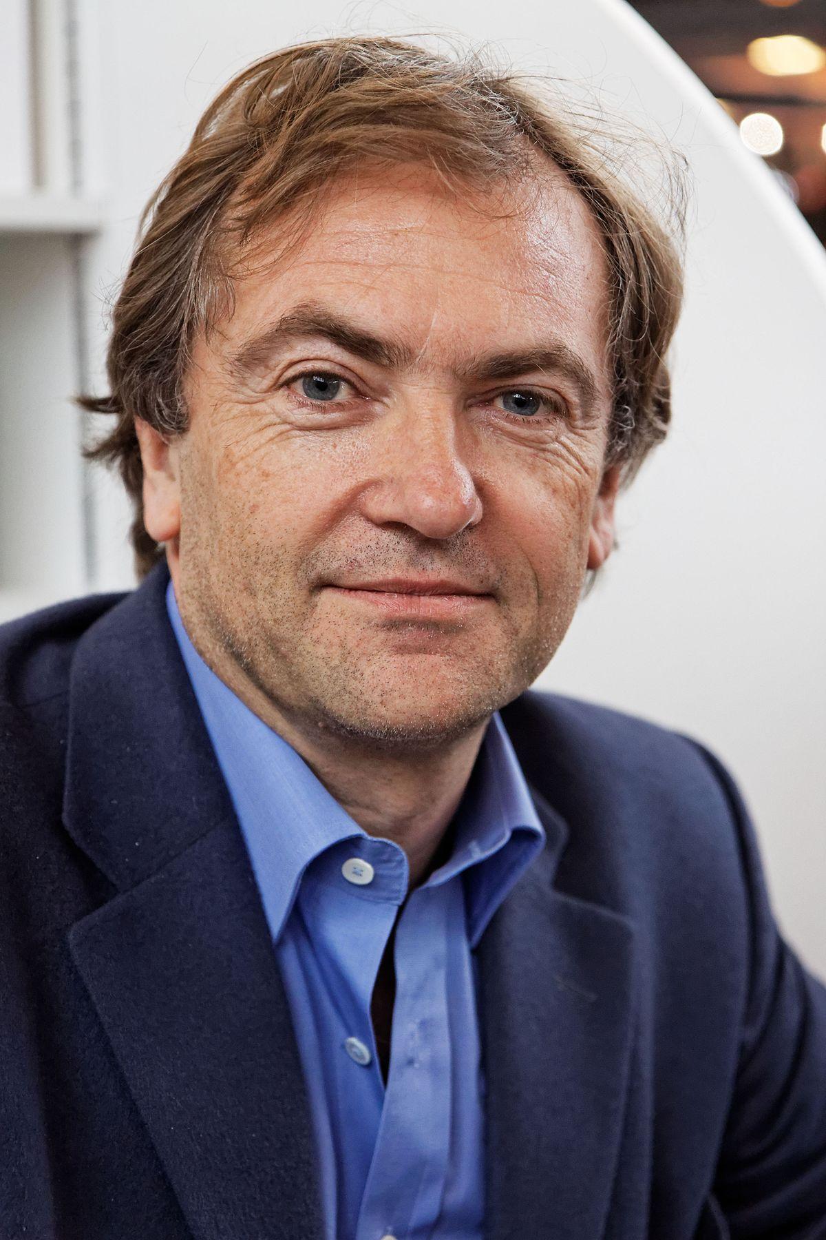 f5703803e63 Didier van Cauwelaert — Wikipédia