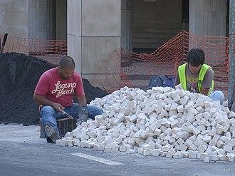 Portuguese pavement - Image: Paving 1, preparation, by Zureks