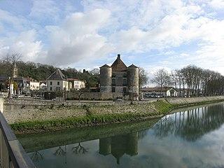 Gaves réunis river in France