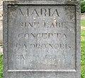 Piédestal de la statue volée de la Vierge de Saint-Maurice-de-Beynost (juin 2020) - inscription en latin.jpg