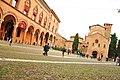 Piazza Santo Stefano a Bologna.jpg