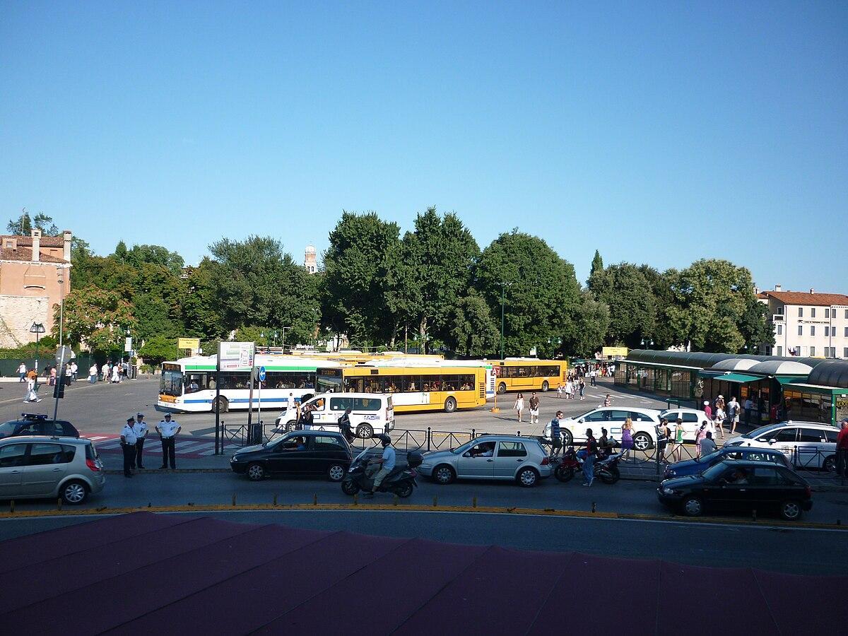 Piazzale Roma - Wikipedia
