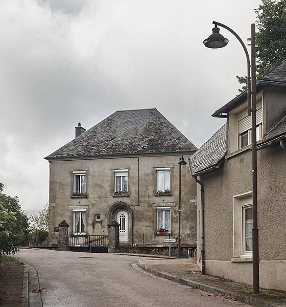 Rue de l'Église, Planchez, Département Nièvre, Bourgogne-Franche-Comté, France