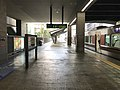 Platform of Universal City Station 3.jpg