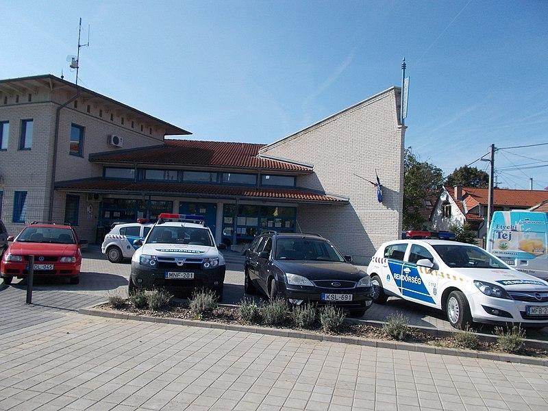 File:Police station. - Dózsa Square, Budakeszi.JPG