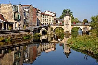 Bar-le-Duc - Image: Pont Notre Dame, Bar le Duc 01 09