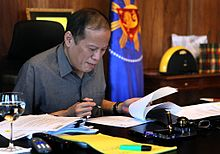 President Aquino at work.jpg