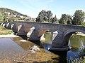 Puente románico de Trespaderne.jpg