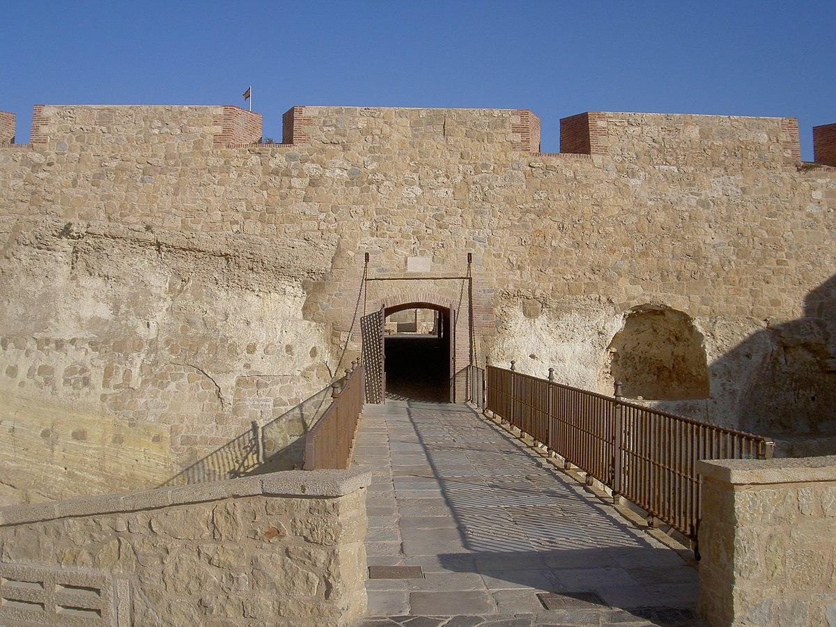 Puerta de la victoria wikipedia la enciclopedia libre for Puerta la victoria