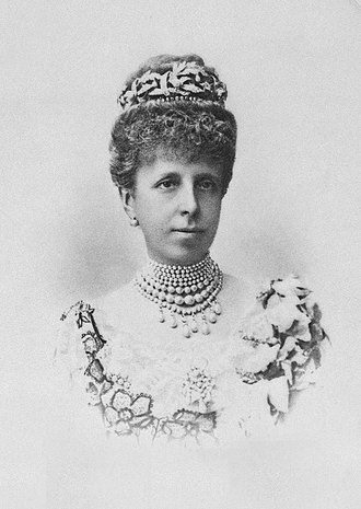 Maria Christina of Austria - Formal photo portrait by Franzen, 1906