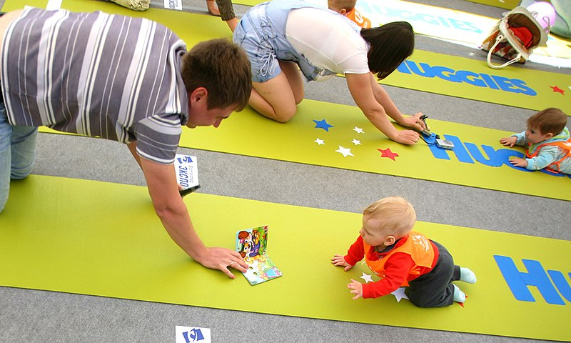 RIAN archive 916566 Volgograd holds first baby crawling contest.jpg