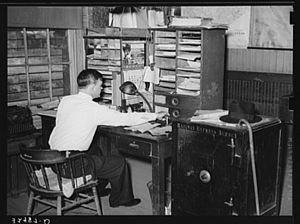 Railway Express Agency - Railway Express Agency office, San Augustine, Texas, 1939
