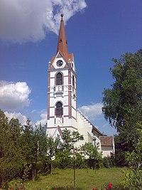 Reformed church in Radnót from the garden.jpg