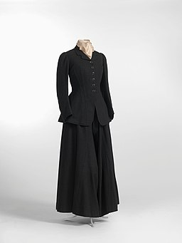 Riding habit, including jacket, riding skirt and divided skirt, 1900-1910