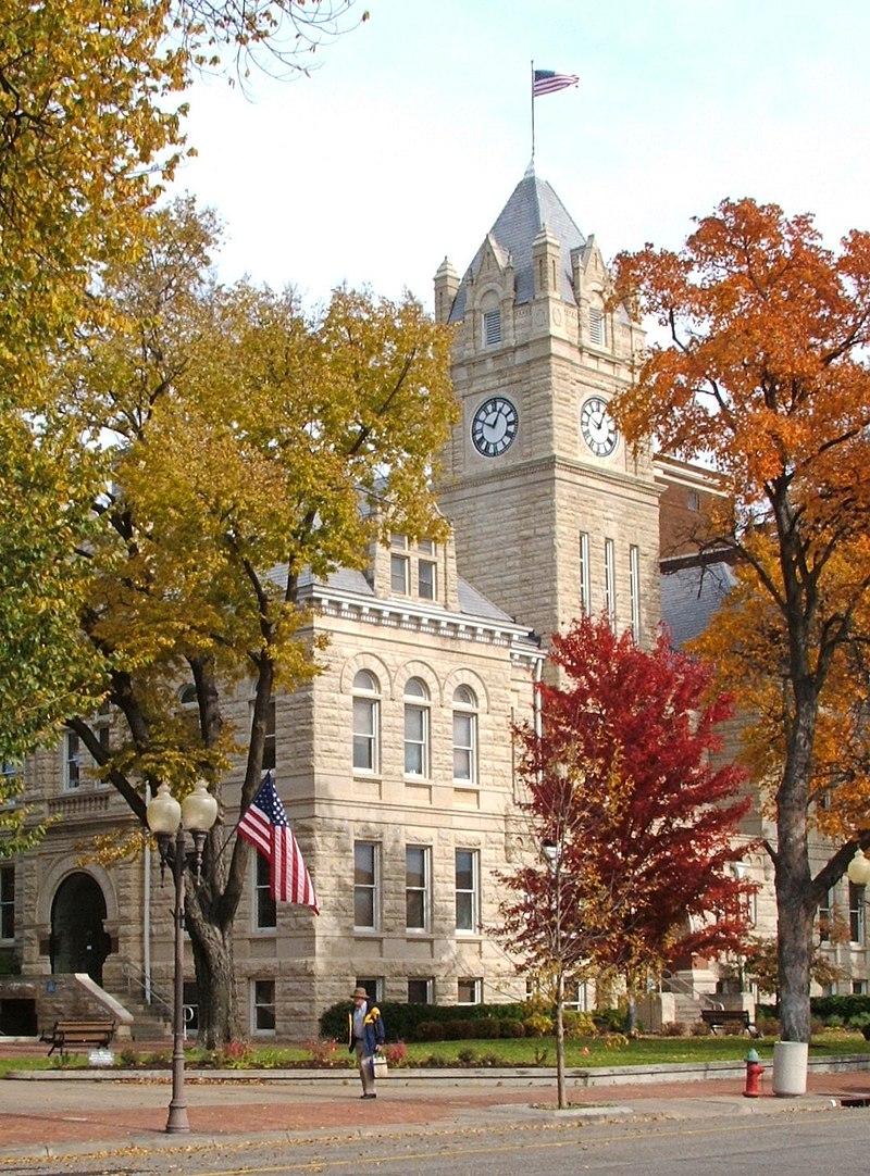 Riley (Kansas) County Courthouse 1.jpg
