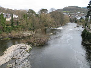 River Dee, Wales - View downriver from the bridge in the centre of Llangollen (March 2007)