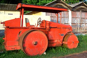 Road roller - An old diesel-powered road roller
