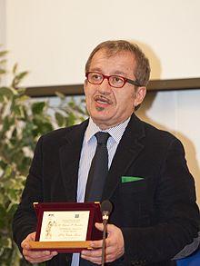 Maroni riceve il Premio Falcone e Borsellino per l'impegno nella lotta alla mafia