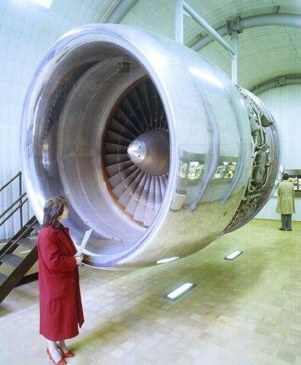 Rolls-Royce RB211 turbofan engine (5343788626)