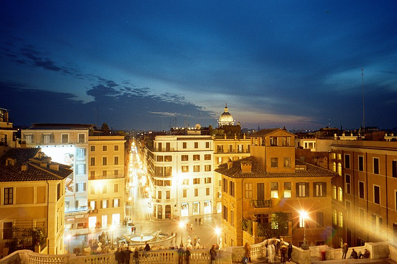 File:Roma-piazza spagna di notte.jpg