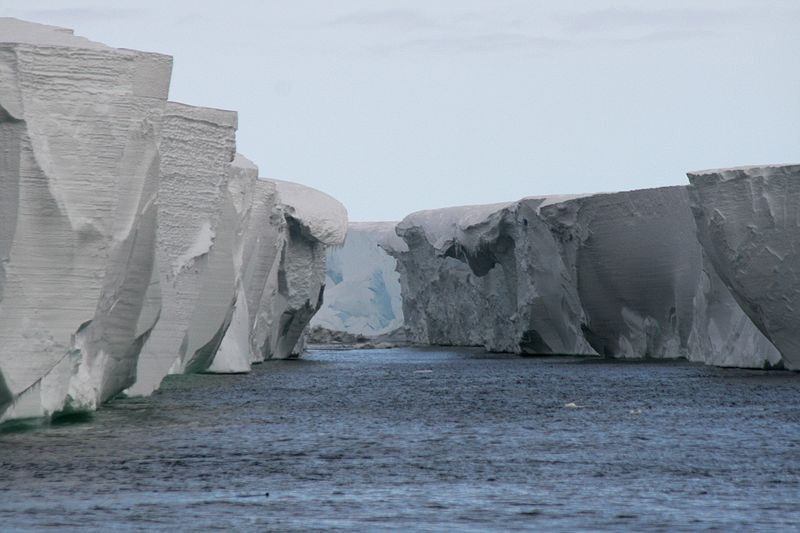 800px-Ross_Ice-Shelf.jpg