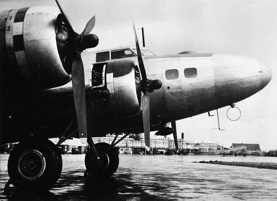 SAS Boeing B-17 1944-1948, OY-DFA, Shoo Shoo Shoo Baby (2)