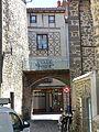 Saint-Flour - maison rue du Mazel (à gauche) et 37 rue Marchande (en face) (3-2016) P1040695.jpg