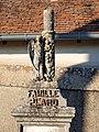 Saint-Loup-de-Gonois-FR-45-tombe-08.jpg