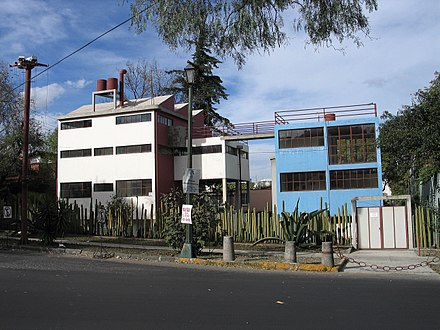 House of Diego Rivera and Frida Kahlo (built by Juan O'Gorman in 1930) San-Angel-Casa-Rivera-Kahlo.jpg
