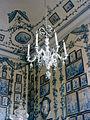 Schönbrunn Luster im Porzellanzimmer.jpg