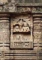 Sculptures on Sun Temple, Konârak 04.jpg