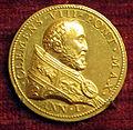 Scuola romana, medaglia di clemente VIII, 1592, oro.JPG