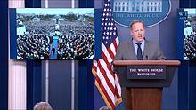 Bestand: Sean Spicer White House statement crowd size 2017-01-21.webm