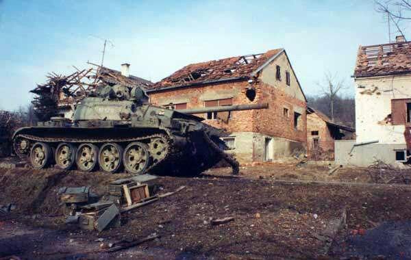 Serb T-55 Battle of the Barracks