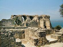 Die Grotte di Catullo in Sirmione hielt man lange für die Villa des Catull, sie entstanden aber wohl erst nach seinem Tod. (Quelle: Wikimedia)