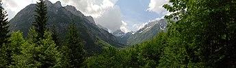 Slovenian Mountain Range Panorama.jpg